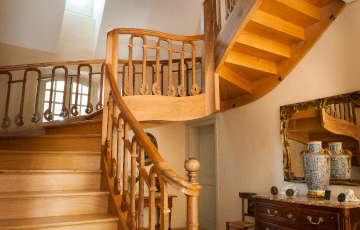 Conception et installation d'escaliers Lalinde Bergerac Dordogne